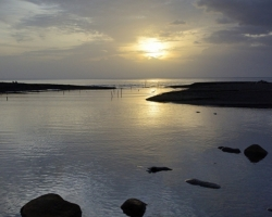 Pokojne sa miešajú vody riečky s Karibským morom.