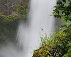 Kým boli tieto vodopády prístupné, mnoho ľudí doplatilo opakovane na neopatrnosť pri kúpaní v kotli zradných prúdov životom.