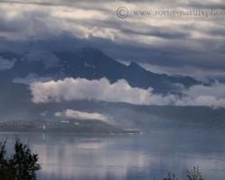 Pri Narviku, priemyselnom a prístavnom centre severu Nórska sa naša cesta stočila nazad domov smerom cez lesnaté Švédsko. Fotografie z pokračovania cez švédske územie možno pozrieť v časti galéria/krajina/Švédsko