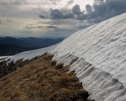 Perhaps just a warm summer rain will help melt the spring sunshine this unprecedented supply of snow on top of Borisov.